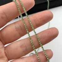 1,5мм Стразовая Цепь Южная Корея, цвет Peridot; родий