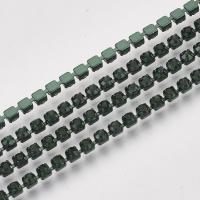 Стразовая цепь -оправа в цвет,  2мм; Изумруд