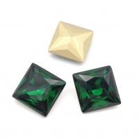 Кристалл Квадрат 10мм Emerald