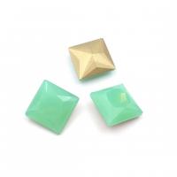Кристалл Квадрат 12мм Chrysolite Opal