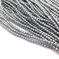Коннектор Клевер Резной с натуральным Белым Перламутром, цвет золото
