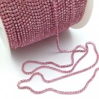 Стразовая цепь 2мм Crystal №110, в розовой оправе, 1 метр