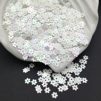 Пайетки Италия Цветок-5мм Белый АВ Orientali (572); 3 грамма