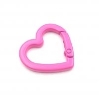 Карабин Сердце с эмалью; Розовый цвет